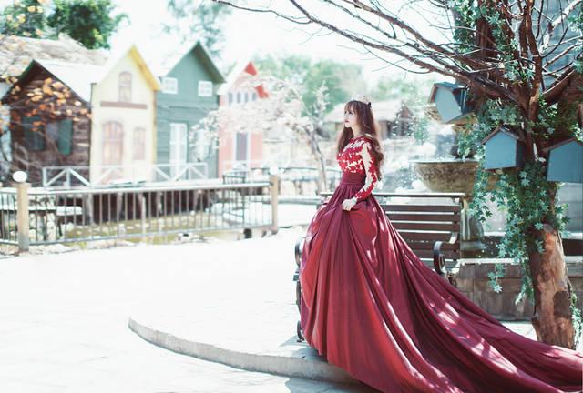 [フリー写真] 王女と街の風景でアハ体験 -  GAHAG | 著作権フリー写真・イラスト素材集 (708)