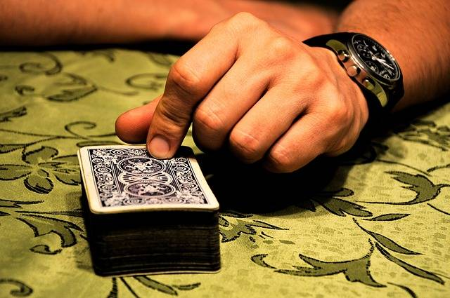 Free photo: Cards, Deck, Playing, Hand, Person - Free Image on Pixabay - 932406 (137)