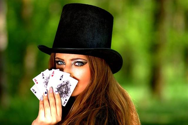 Free photo: Girl, Topper, Playing Cards, Luck - Free Image on Pixabay - 1339682 (2586)