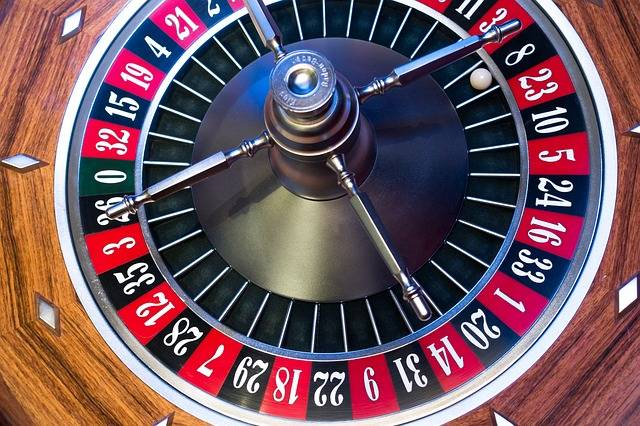 Free photo: Roulette, Roulette Wheel, Ball - Free Image on Pixabay - 1003120 (2685)