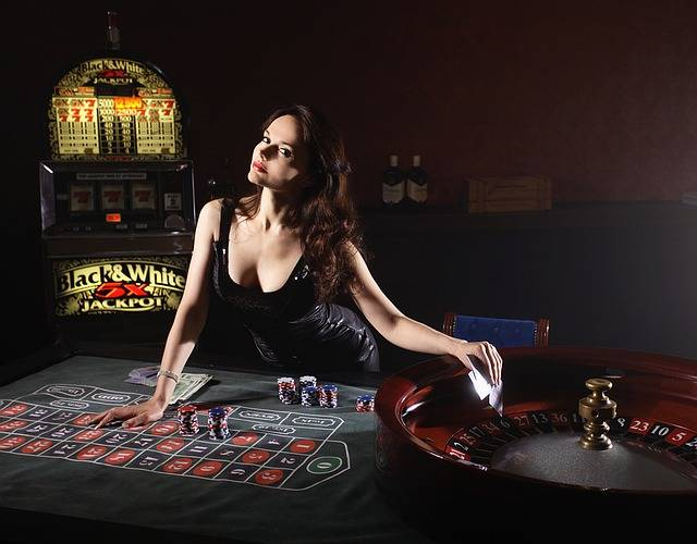 Free photo: Cards, Poker, Casino, Girl, Game - Free Image on Pixabay - 1066386 (3259)