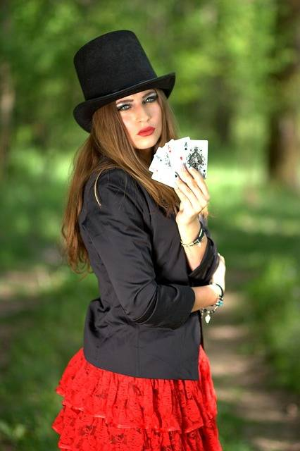 Free photo: Girl, Topper, Playing Cards, Luck - Free Image on Pixabay - 1339681 (3601)