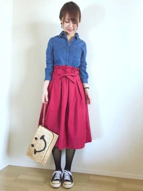UNIQLOの赤スカートの着回しコーデ♩今回はデニムシ...