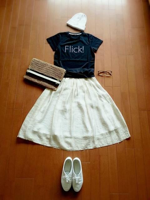 FlickロゴTシャツを使ったコーディネート