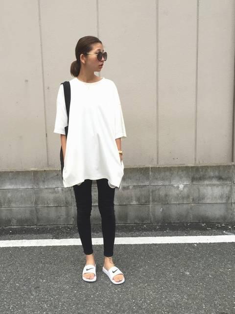 草野春香(MURUA 福岡パルコ)|MURUAのTシャツ/カットソーを使ったコーディネート - WEAR (10480)