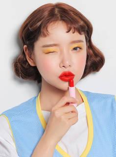 発色の良い口紅は人気のレッドカラー♪どんな色のアイ...