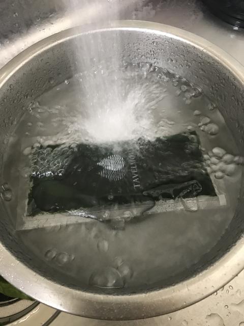 流水で溶かして飲みます。