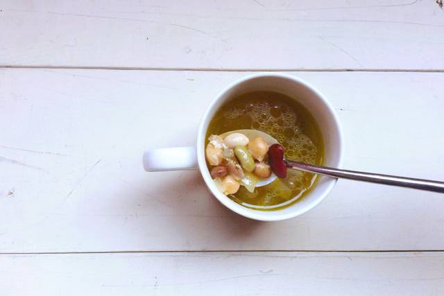節分豆をはじめ、豆たくさんなスープ