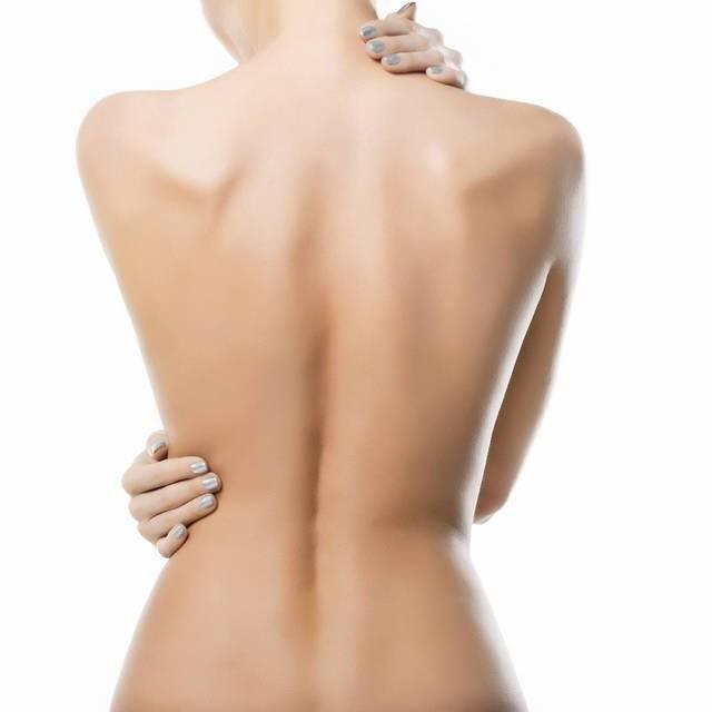 背中の脂肪を落とす筋トレ方法4つ!背中の贅肉さようなら!