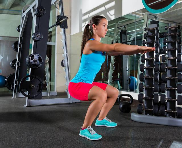 脚やせに効果大!自宅でできるトレーニングで夏までにほっそり美脚に
