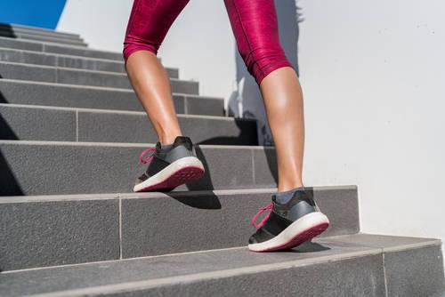 筋肉質さんの脚やせ法はコレだ!日常生活から変える美脚の作り方