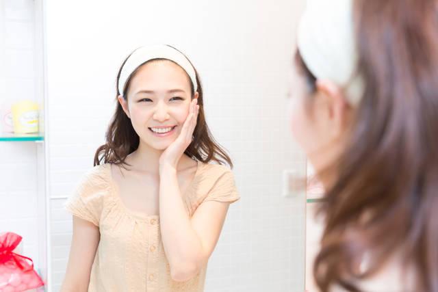 【画像解説】エステティシャンが教える!お顔のリフトアップ体操