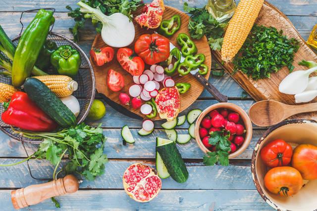 美肌になるには食べ物から!肌に効く栄養素と食材