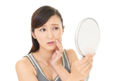 顔はなぜ老化するの?老化を防ぐアンチエイジングケアについて