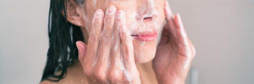 話題の酵素洗顔ってなんで肌が綺麗になるの?酵素洗顔の選び方は?