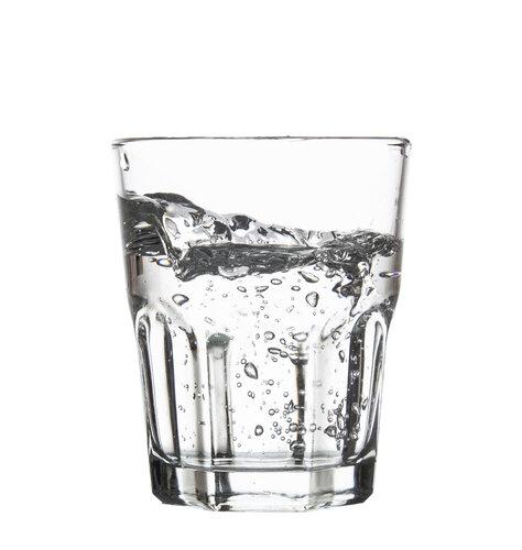 炭酸水洗顔で毛穴とニキビ撃退!ダイエットも健康もサポートしてくれる優秀な炭酸水の使い方
