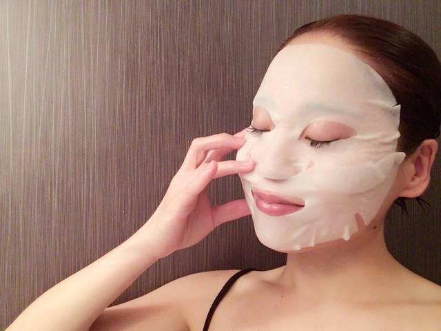 シートマスクや美白美容液や保湿美容液で気になる部分をケア