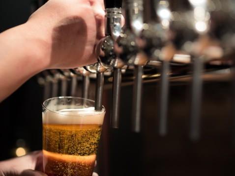 知ったら飲みたくなる!クラフトビールの解説&東京で飲める店3選