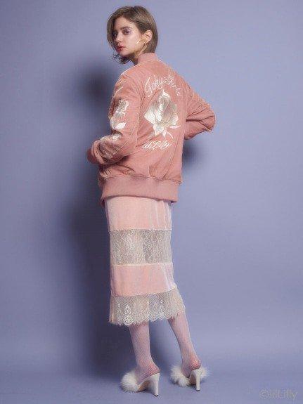 リルリリーの秋アイテムに大注目!個性的で可愛いファッションが人気