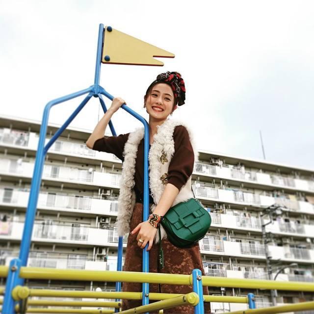 河野悦子のファッションチェック☆石原さとみさん主演、校閲ガール第4話