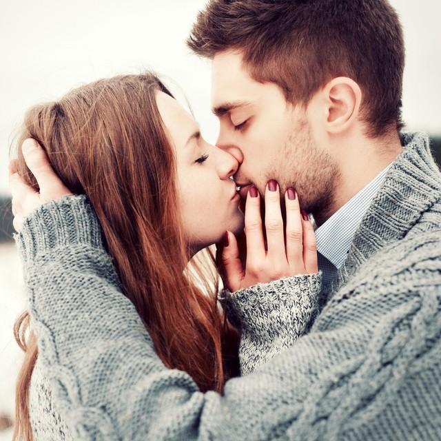 キスエピソード3選|甘酸っぱくて、とろけるキス体験談