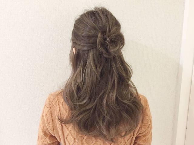 髪の毛で作るお花ヘアアレンジ!三つ編みフラワーのハーフアップがロマンチック
