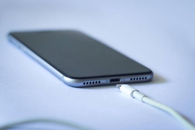 iPhoneバッテリーを自分で交換することはできるの?徹底解説!