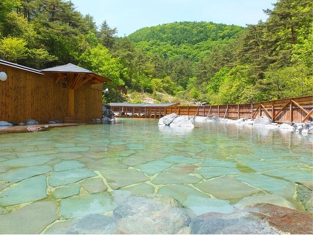 草津温泉 女子旅 西の河原露天風呂