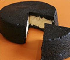 ラ・ファミーユ「まっ黒チーズケーキ」
