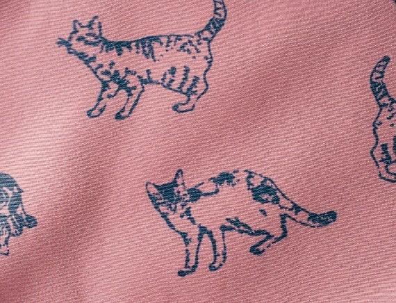 フェリシモ猫部/黒にゃんコート猫柄