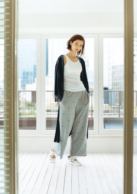 河野悦子のファッション emmi yoga