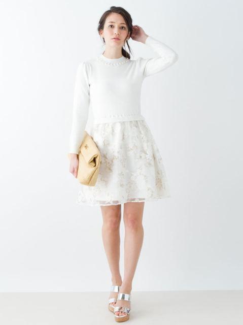 白のワンピース/マーキュリーデュオ/ 衿ぐりビジューニットドッキング花柄ワンピース