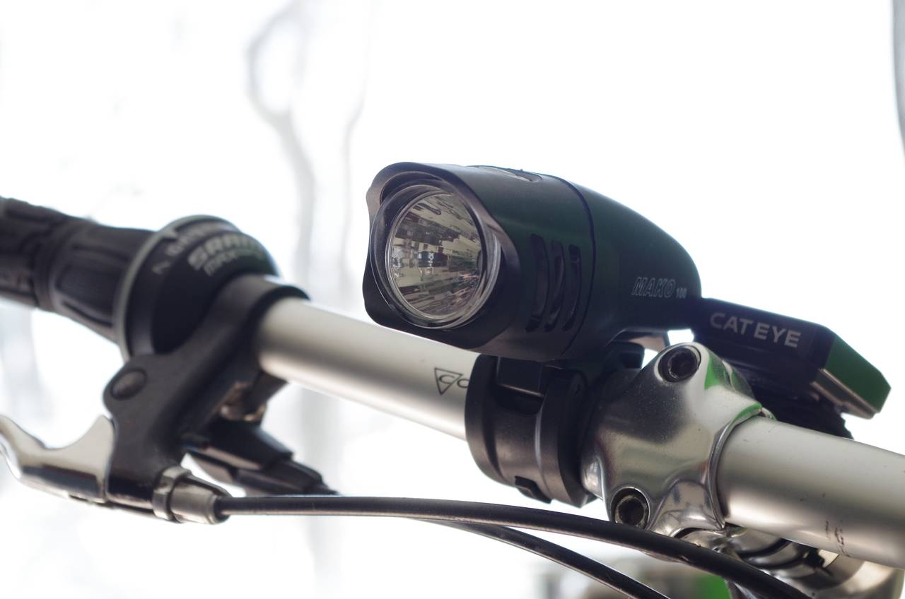 前照灯、尾灯、自転車用ライトの選び方