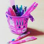 人気のペンでノートや写真はキラキラにキュートにデコりたい!&旬なキャラクターコラボペンの情報