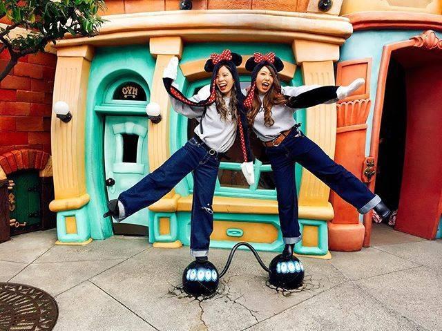 親友とディズニー行くならやっぱり双子コーデ♪ディズニーの最新