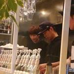 【新大久保】イケメン優先で訪れたい♡韓国アイドルやK-POPのカフェ