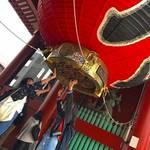 10代にも昭和レトロを楽しめるフォトスポット【浅草】で食べ歩き♪