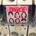 SNSで話題!新大久保の韓流ショップで売っている『TWICE』のガチャガチャと『TWICE』グッズをご紹介❤️