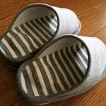 【セリア】即完売👀❣履くだけで美脚に慣れると話題の100均ダイエットスリッパ🌟