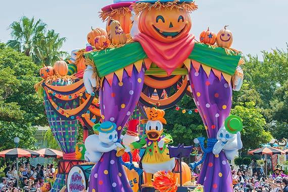 ディズニーパレード「ハロウィーン・ポップンライブ」