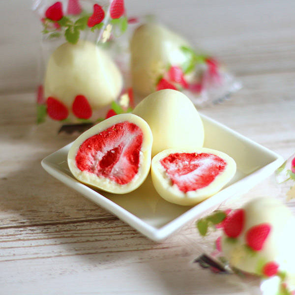 カルディオリジナル 苺のホワイトチョコ(筒)