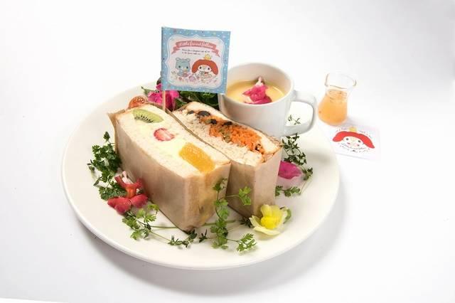 キャロットラぺとフルーツカスタードのお花畑サンドイッチ...