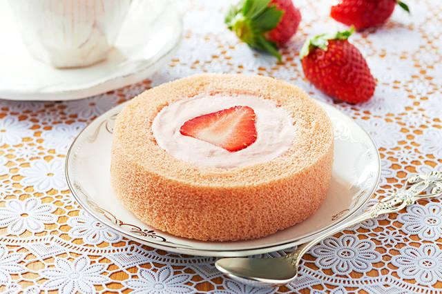 プレミアムあまおう苺のロールケーキ