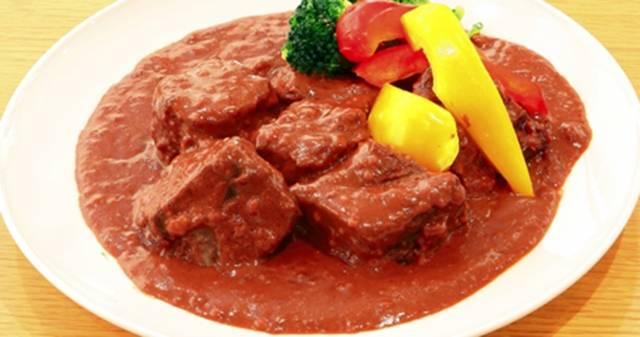 チョコレート牛タンシチュー (チョコレートデミグラスソース)