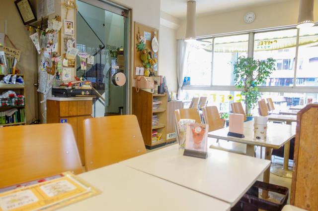 ■昔ながらの喫茶店風の店内