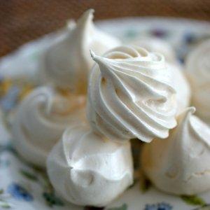 楽天レシピ:卵白1個で作るメレンゲクッキー (101290)