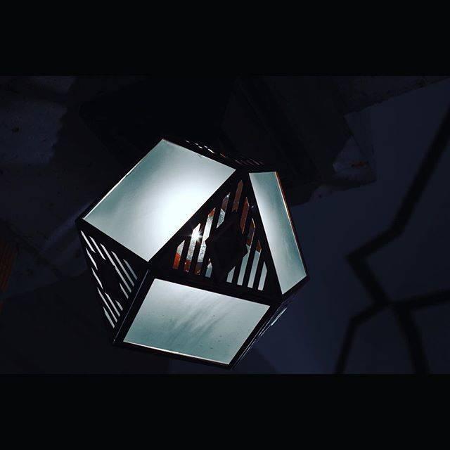 フォトジェニック 帝国ホテル 天井の照明