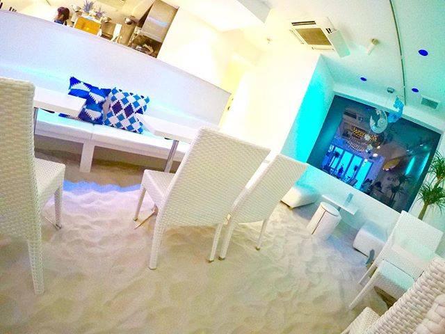 海だー!砂浜だー!ビーチカフェ!?