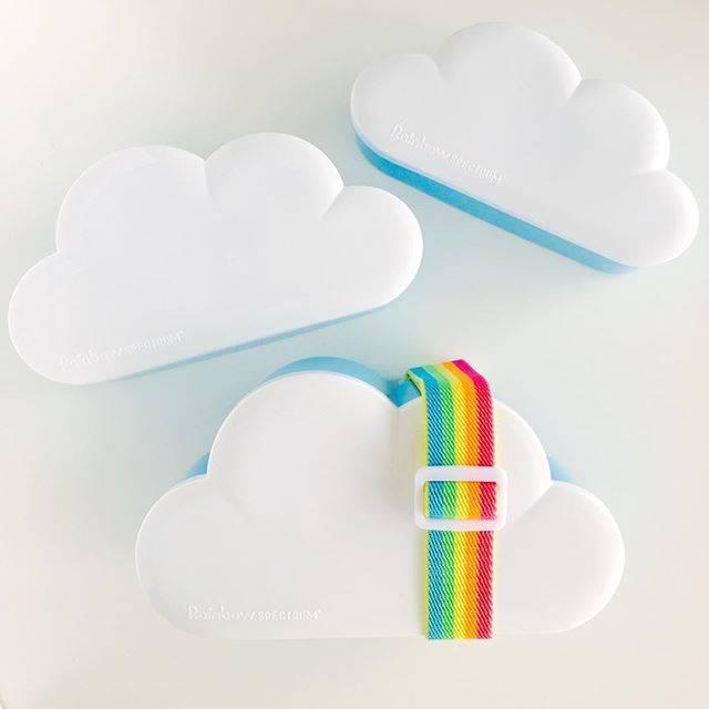 インスタにアップしたくなる可愛い雲形のお弁当箱です。