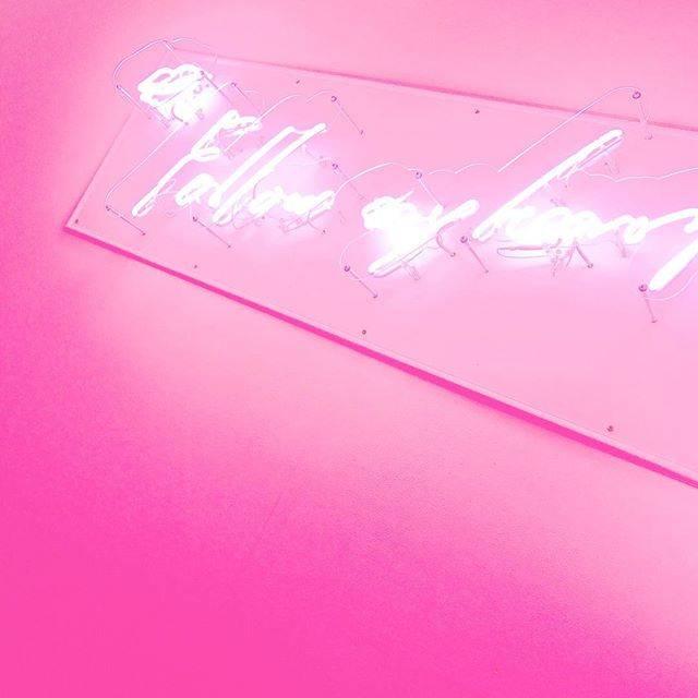 ピンクが可愛い洋服や雑貨を売っている人気アパレルショップ